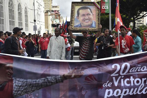 Seguidores de Maduro se movilizan en rechazo a informe de DDHH de Bachelet