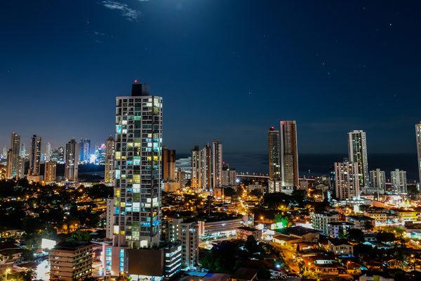 Panamá reingresa a lista de países no cooperadores contra el lavado de dinero
