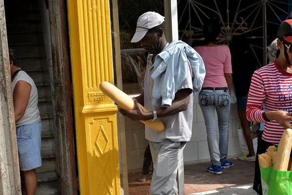 El pan, última víctima del desabastecimiento en Cuba