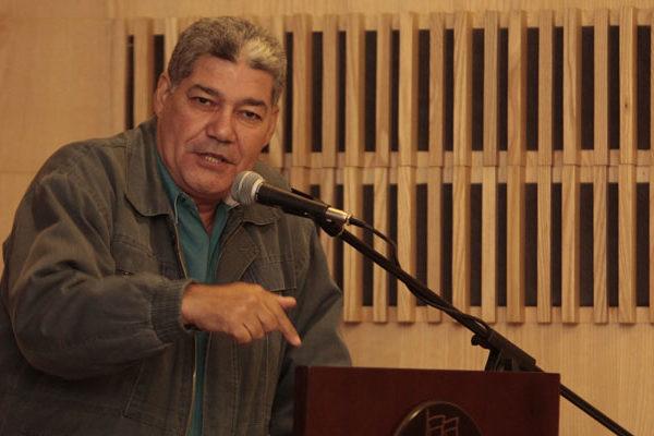 Eduardo Piñate es designado como nuevo ministro de Educación