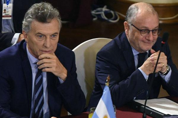 Macri denuncia