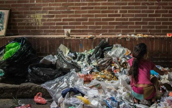 Niños abandonados se multiplican en las calles de Caracas