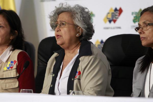 Chavismo arrasa en elección de concejales con abstención de 72,6%
