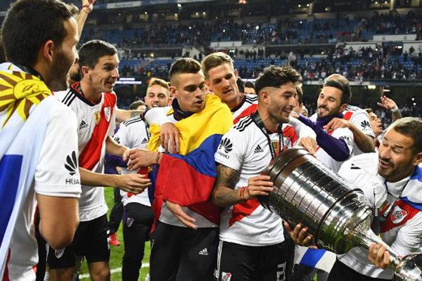 River, en su hora más gloriosa, alza la cuarta Libertadores