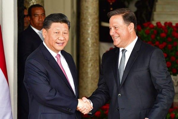 China busca en Panamá ampliar comercio e influencia en América Latina