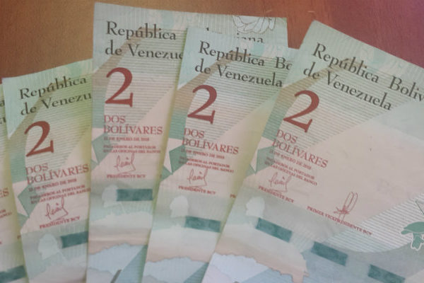 BCV inunda la economía con billetes que nadie acepta