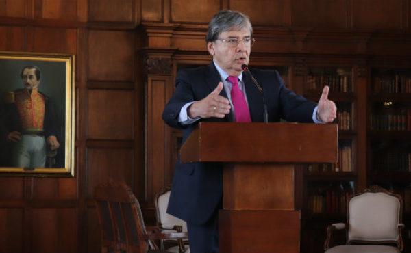 Murió Ministro de Defensa de Colombia víctima del coronavirus