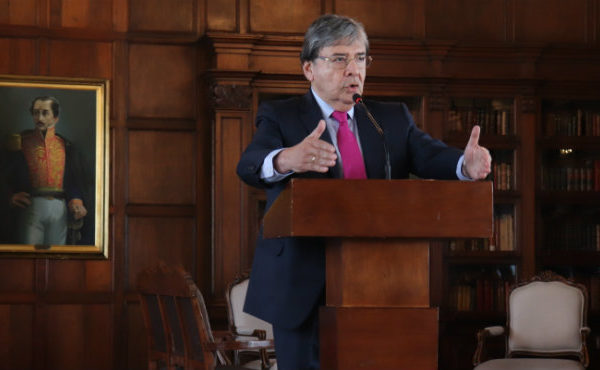 Colombia rectifica posición sobre disputa territorial entre Venezuela y Guyana