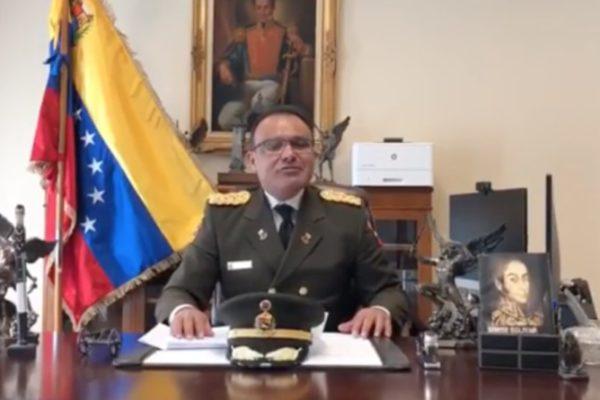 Agregado militar de Venezuela en Washington desconoce a Maduro