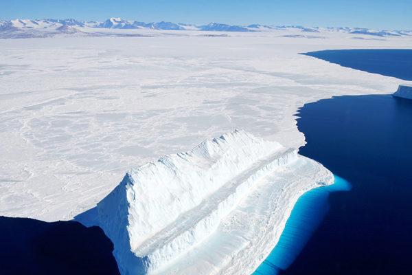 Hielo de la Antártida se derrite más rápido que nunca