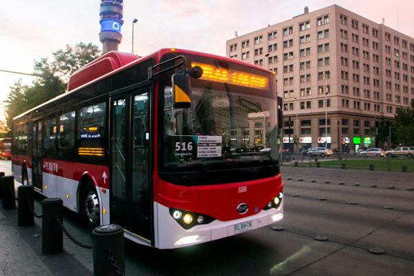 Autobuses eléctricos circulan por Santiago, el primer paso hacia la electromovilidad