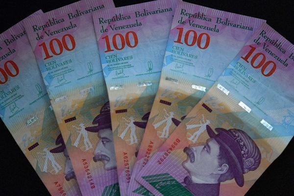 Torino: Dolarización y banca digital confinan al bolívar en efectivo a solo 0,1% de las transacciones