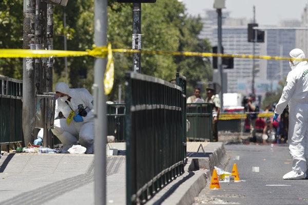 Dos venezolanos heridos tras explosión en parada de bus en Chile