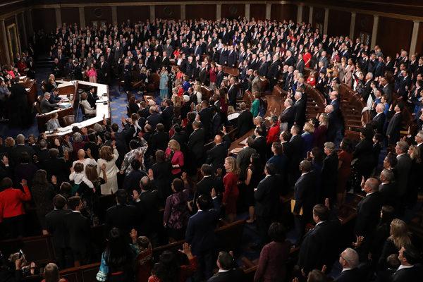 Cámara baja del Congreso de EEUU aprueba TPS para migrantes venezolanos