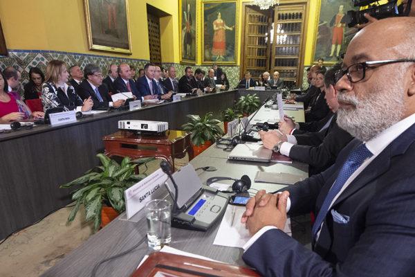 Grupo de Lima invita a 100 gobiernos a conferencia sobre crisis venezolana