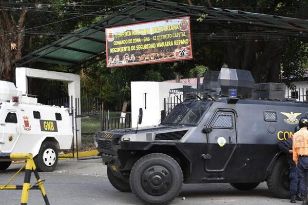 Detenidos 27 militares sublevados contra Maduro en Caracas