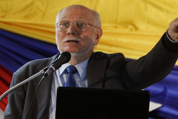 Giordani exige la renuncia de Maduro