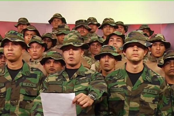 Exmilitares venezolanos instan en Lima a deponer a Maduro