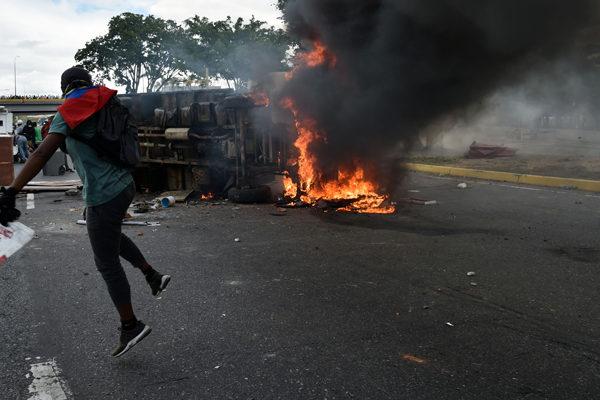 Amnistía Internacional culpa a Maduro por ejecución selectiva de manifestantes