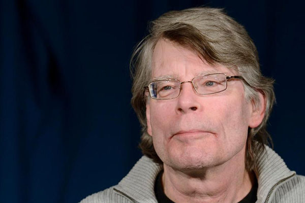 Stephen King salva la sección literaria de un periódico local de EEUU con un tuit