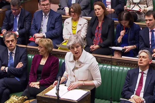May propone nuevo acuerdo de brexit con opción de segundo referéndum