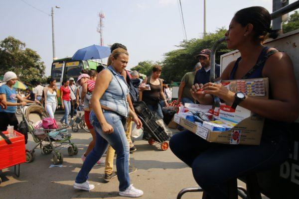 El comercio del dolor: las farmacias callejeras en la frontera entre Colombia y Venezuela