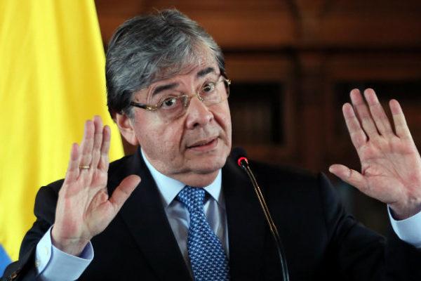 Canciller de Colombia dice que sin Maduro sería más fácil combatir a las FARC