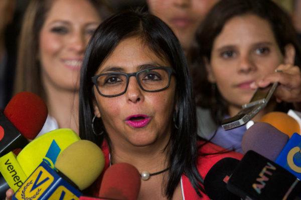 Delcy Rodríguez llegó a Cuba para presentar la Ley Antibloqueo y firmar alianzas en materia económica