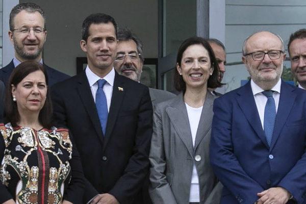 Guaidó se reúne en Brasilia con embajadores de los países que lo apoyan