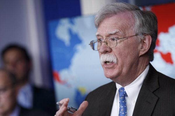 John Bolton asegura que la salida de Maduro del poder «es inminente»