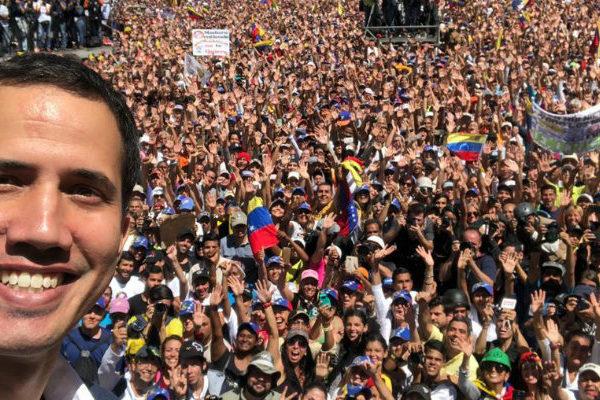 Guaidó, el milenial que desafía a Maduro con un nuevo estilo