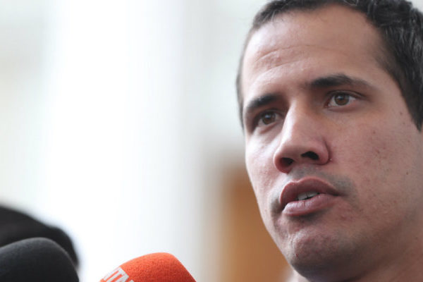 Guaidó acusa a Maduro de tratar de engañar a tribunal británico para recuperar oro congelado