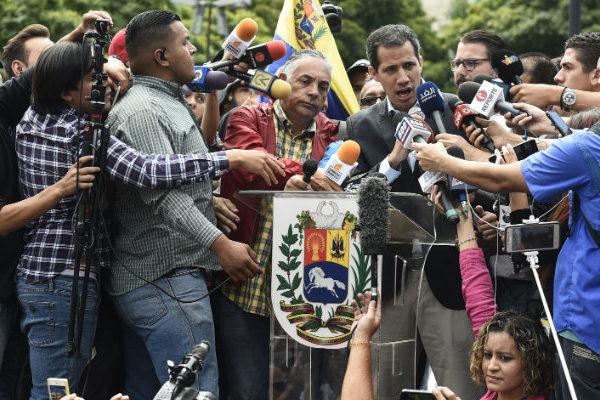Guaidó convoca movilización a los cuarteles de Venezuela este 23 de febrero