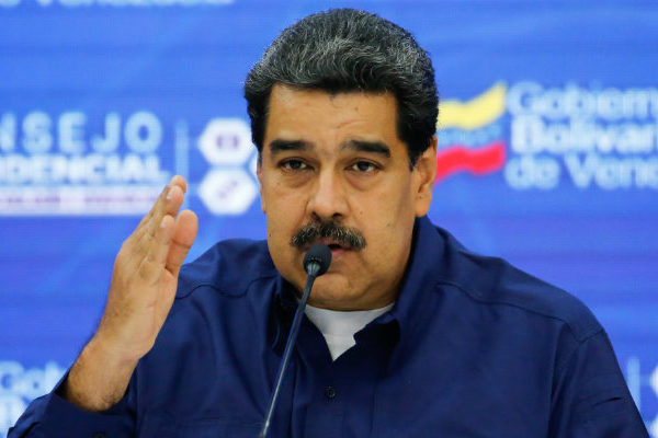 Maduro amenazó con mantener congelado el diálogo tras investigación judicial contra Guaidó