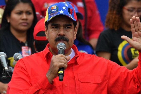 Maduro llama a milicianos a incorporarse como soldados activos del Ejército