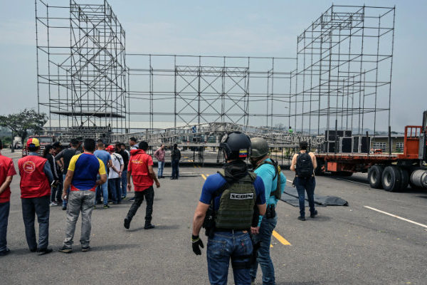 Comienza concierto chavista por la paz convocado por Maduro