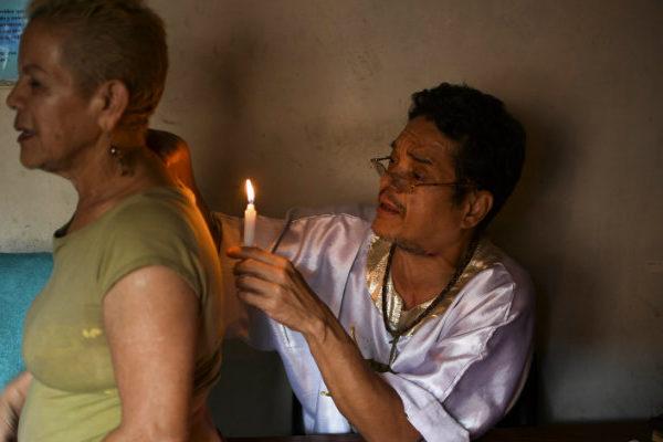 A «San Hugo Chávez» le preguntan por el futuro de Maduro y la revolución