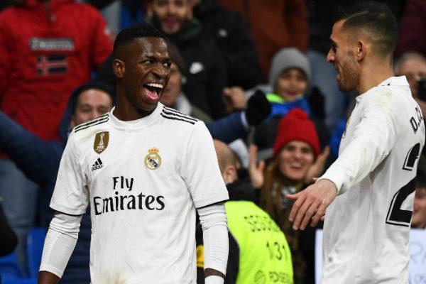 Real Madrid gana al Alavés y recorta diferencias con Atlético y Barcelona