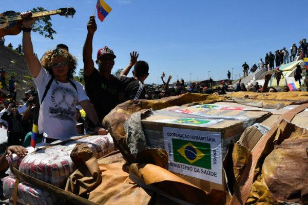 Guaidó anuncia que entró a Venezuela ayuda humanitaria por frontera con Brasil
