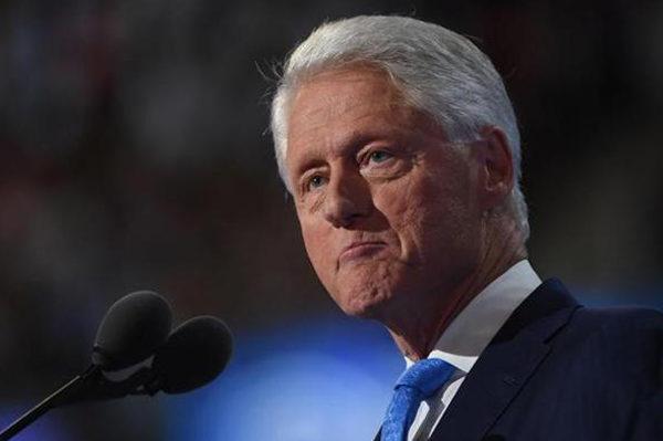 Bill Clinton: La violencia desgarradora en Venezuela debe parar
