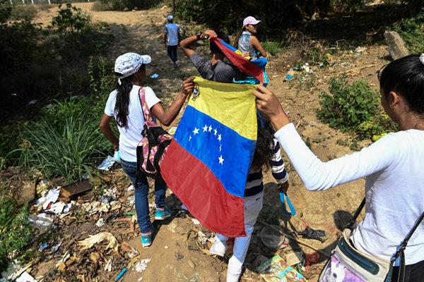 Por los caminos verdes hacia el concierto por la ayuda a Venezuela