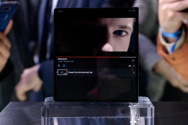 Huawei presenta su teléfono inteligente plegable