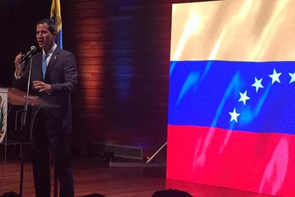 Piden a Guaidó liberar a más de 100 trabajadores públicos presos por protestar