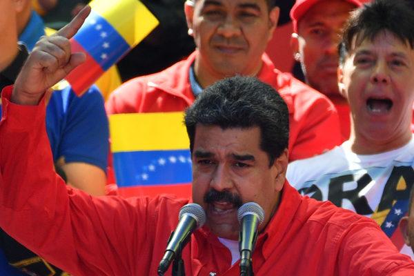 Maduro rompe relaciones diplomáticas con Colombia