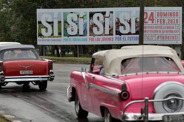 La omnipresente campaña por el sí a la nueva Constitución en Cuba