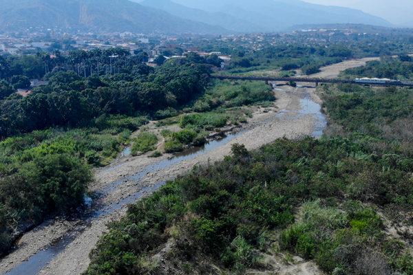 Incautan en Colombia productos de aseo falsificados con destino Venezuela