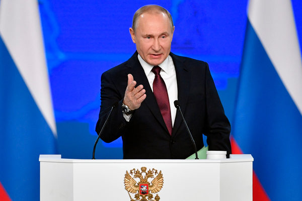 Putin firma ley que obliga a empresas de telecomunicaciones a abrir representación en el país