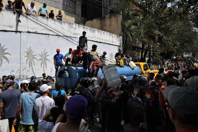 VENEZUELA-CRISIS-OUTAGE-WATER