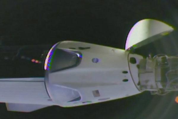 La cápsula de SpaceX se acopla con éxito a la Estación Espacial InternacionaI