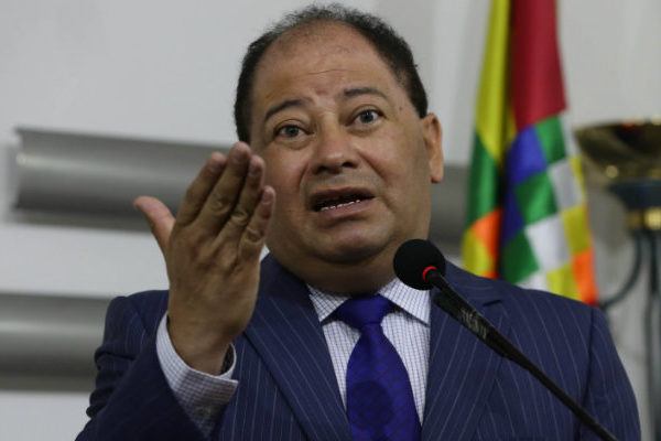 Bolivia expulsa a cinco venezolanos acusados de conspirar
